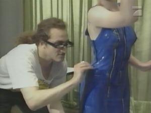 Enie Van De Meiklokjes Nackt Latex Kleid Liebe S Nde X