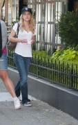 Бритт Робертсон, фото 110. Britt Robertson Out for icecream in Vancouver , July 17 2011, foto 110