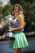 Виктория Азаренко, фото 213. Victoria Azarenka Posing with the Australian Open Trophy along the Yarra River in Melbourne - 29.01.2012, foto 213