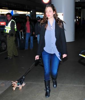 Эмми Россам, фото 3313. Emmy Rossum Looks Great with Her Dog LAX 2/17/12, foto 3313