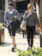 Шарлиз Терон, фото 6145. Charlize Theron and her friend leaving a gym after a work out in Hollywood,Feb26, foto 6145