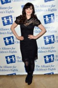Зуи Дешанель, фото 1766. Zooey Deschanel Alliance For Children's Rights Annual Dinner in Beverly Hills - March 1, 2012, foto 1766