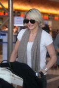 Камерон Диаз, фото 4970. Cameron Diaz at LAX Airport, March 8, foto 4970