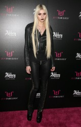 d60376179710177 Taylor Momsen   Launch Party for Abbey Dawn By Avril Lavigne (March 13) x39