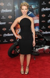 Scarlett Johansson - The Avengers premiere - Hollywood   - April 11 2012