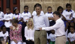 Shakira & Barack Obama - Colombian Land Title Ceremony at Plaza de San Pedro in Cartagena on April 15, 2012 - x23 HQ